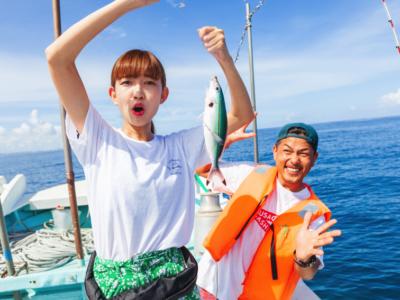 【最後に特典あり】沖縄の人気アウトドアがお得なセットに!釣り+カヤック+青の洞窟シュノーケリングを1日で遊びたおす方法