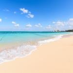 充满魅力的冲绳蓝色大海了解一下\(^O^)/ 只有少数人才知道的天然海滩景点♪