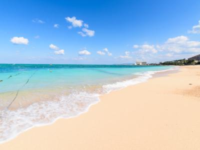 沖縄の青〜い海に魅了されたみなさんに教えたい\(^O^)/ 知る人ぞ知る穴場の天然ビーチ♪