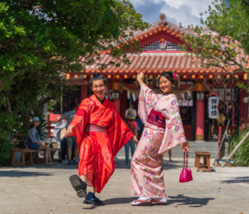 Dress up in a kimono at Chura Sakura! Enjoy a stroll around Okinawa in a rental kimono!