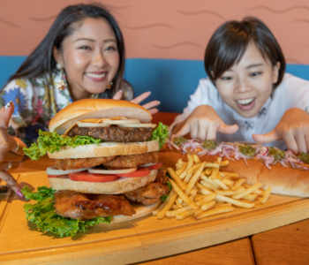 【Hotel Tour Vol.8】 Enjoy a whole new view and almost 1kg hamburger at this hotel located up high, Okinawa Grand Mer Resort