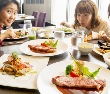 【호텔 투어 Vol.10】조식부터 전망 욕실까지 럭셔리한 한때를 선사할 나하 시내 호텔 「Rihga Royal Gran Okinawa」